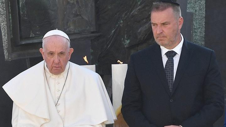 Ο πάπας Φραγκίσκος καταγγέλλει τον αντισημιτισμό και εκφράζει την «ντροπή» του για την εξόντωση των Εβραίων της Σλοβακίας κατά τον Β' Παγκόσμιο Πόλεμο