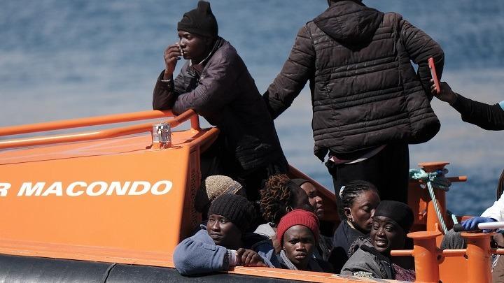 Ισπανία: Έξι πλοιάρια με μετανάστες εντοπίστηκαν στα ανοιχτά των Κανάριων Νησιών